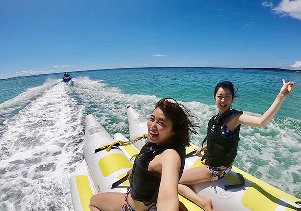 沖縄人気アクティビティランキングNo1バナナボートで行くシュノーケリングセットコース