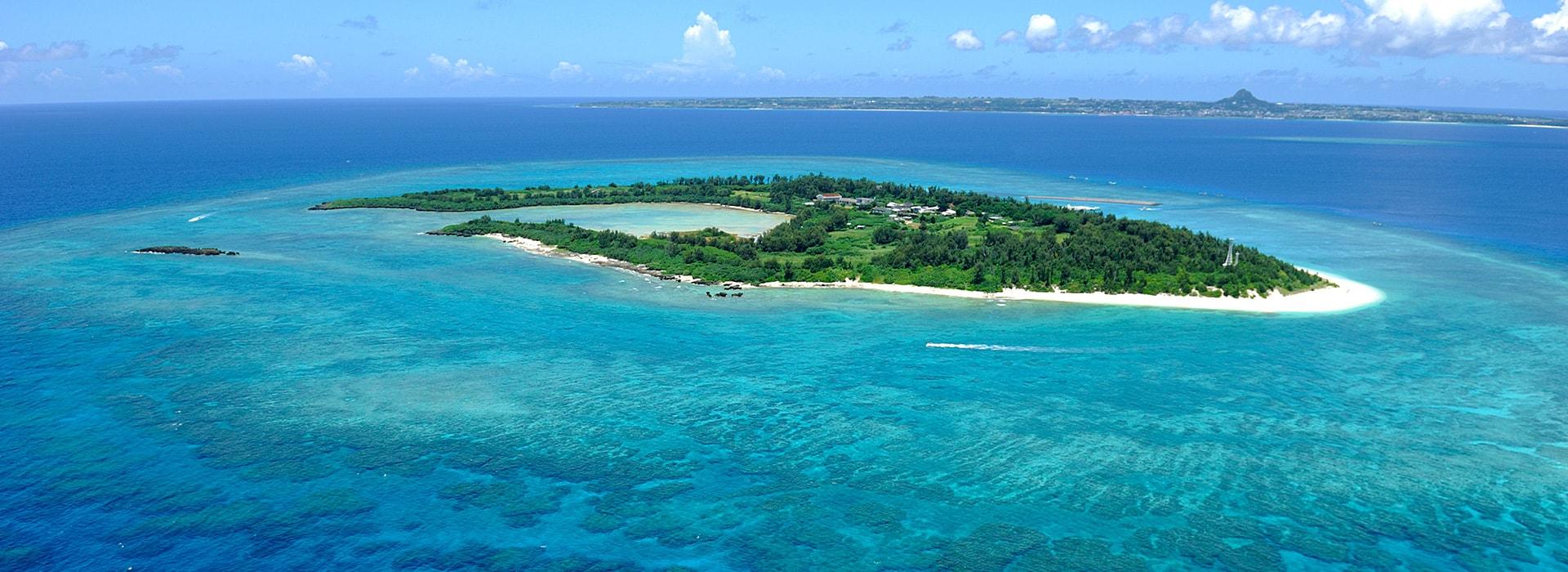 沖縄水納島ビーチ