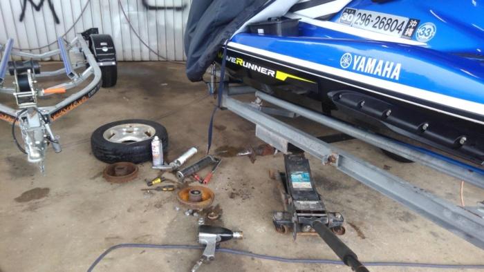 トレーラー修理
